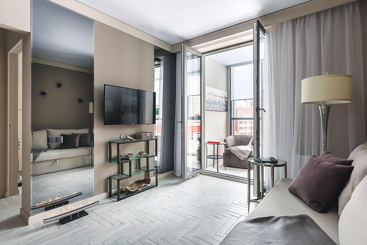 GEALAN / PVC stolarija balkonska vrata u dnevnoj sobi