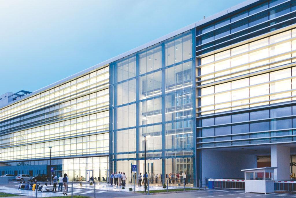 Tehnomarket Aluminik CS55 sustav aluminijskih ostakljenih fasada
