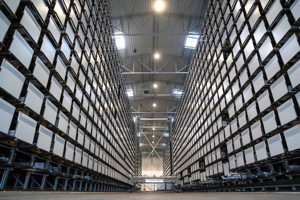 DECCO - Prostor za skladištenje je objekt 18 m visine na površini od 2.200 m².