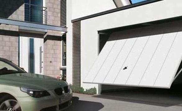 Kipujuća garažna vrata Berry