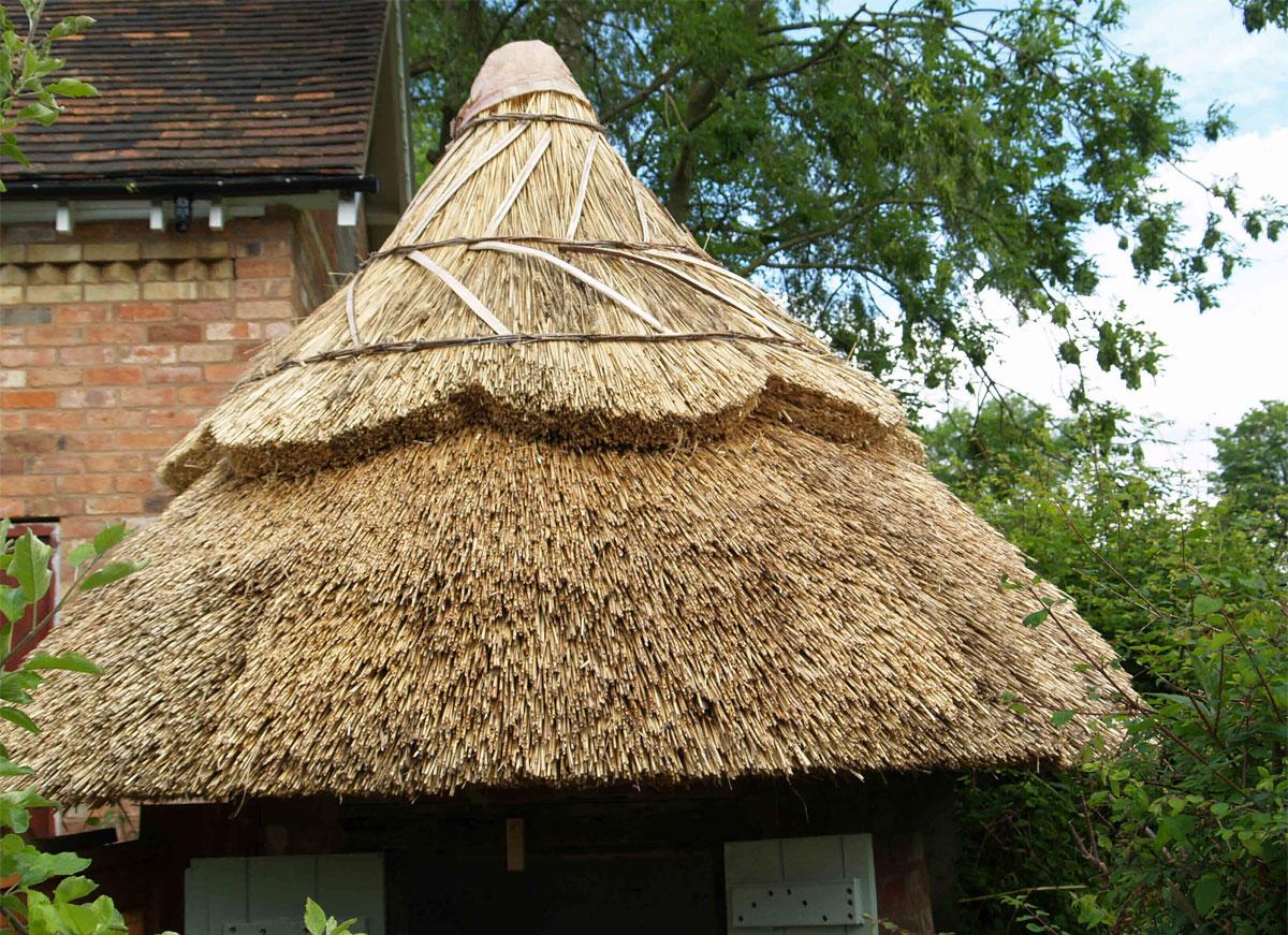 Krov kuće od trske