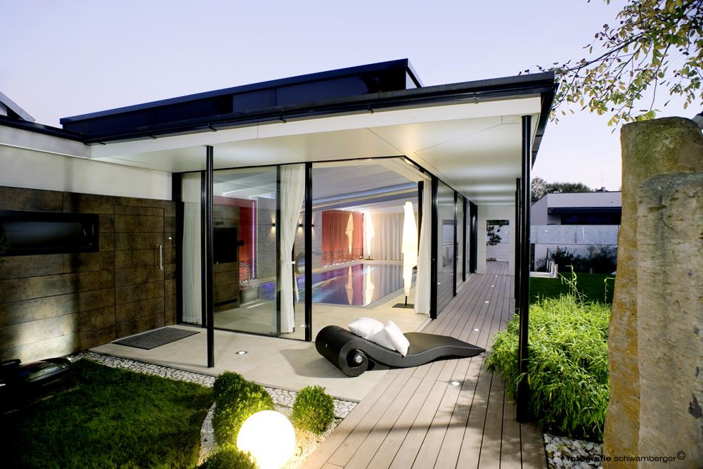 Stakleni paneli kombinuju funkcionalnost i estetiku stakla