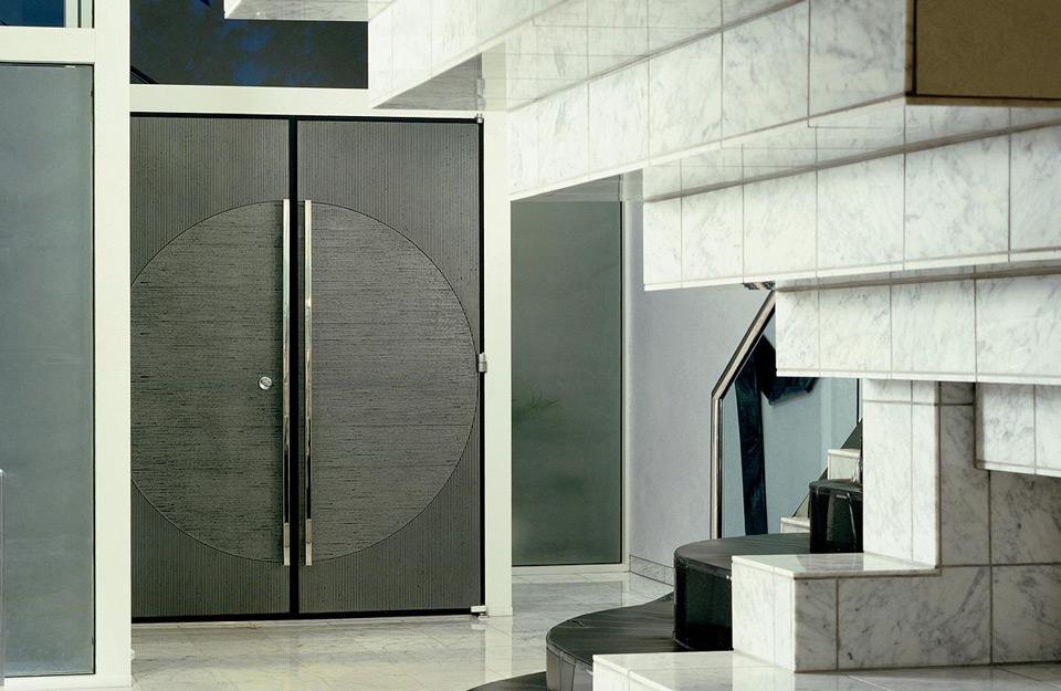 Izgled modernih metalnih vrata u domu
