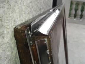 Dihtovanje vrata i prozora aluminijumskim lajsnama