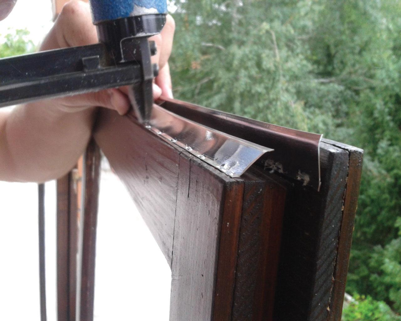 Dihtovanje prozora aluminijumskim lajsnama