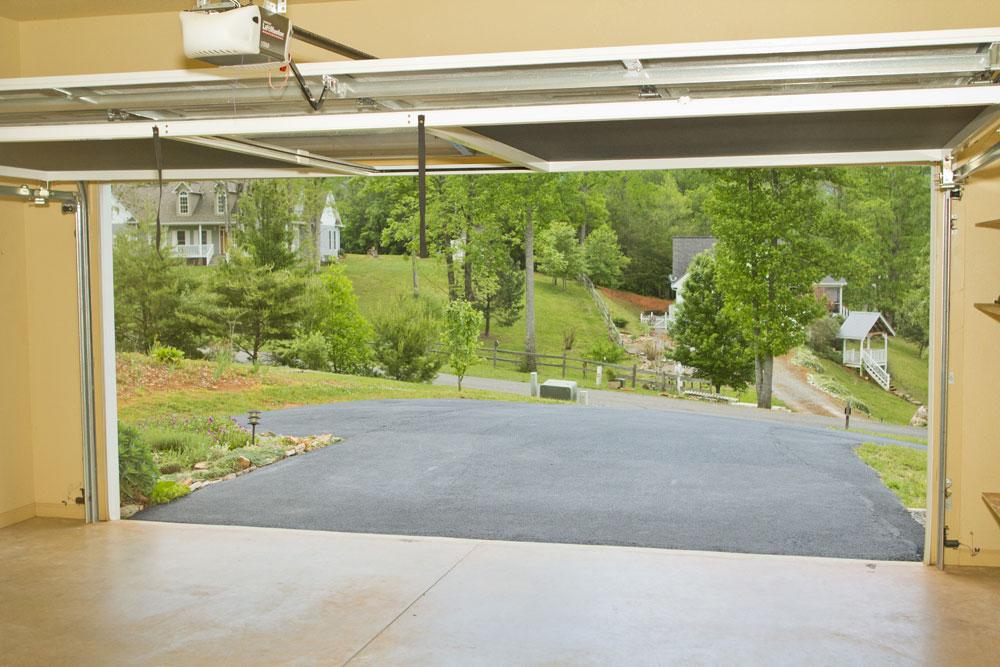 Pametan dizajn može učiniti svaka garažna vrata uzbudljivijim
