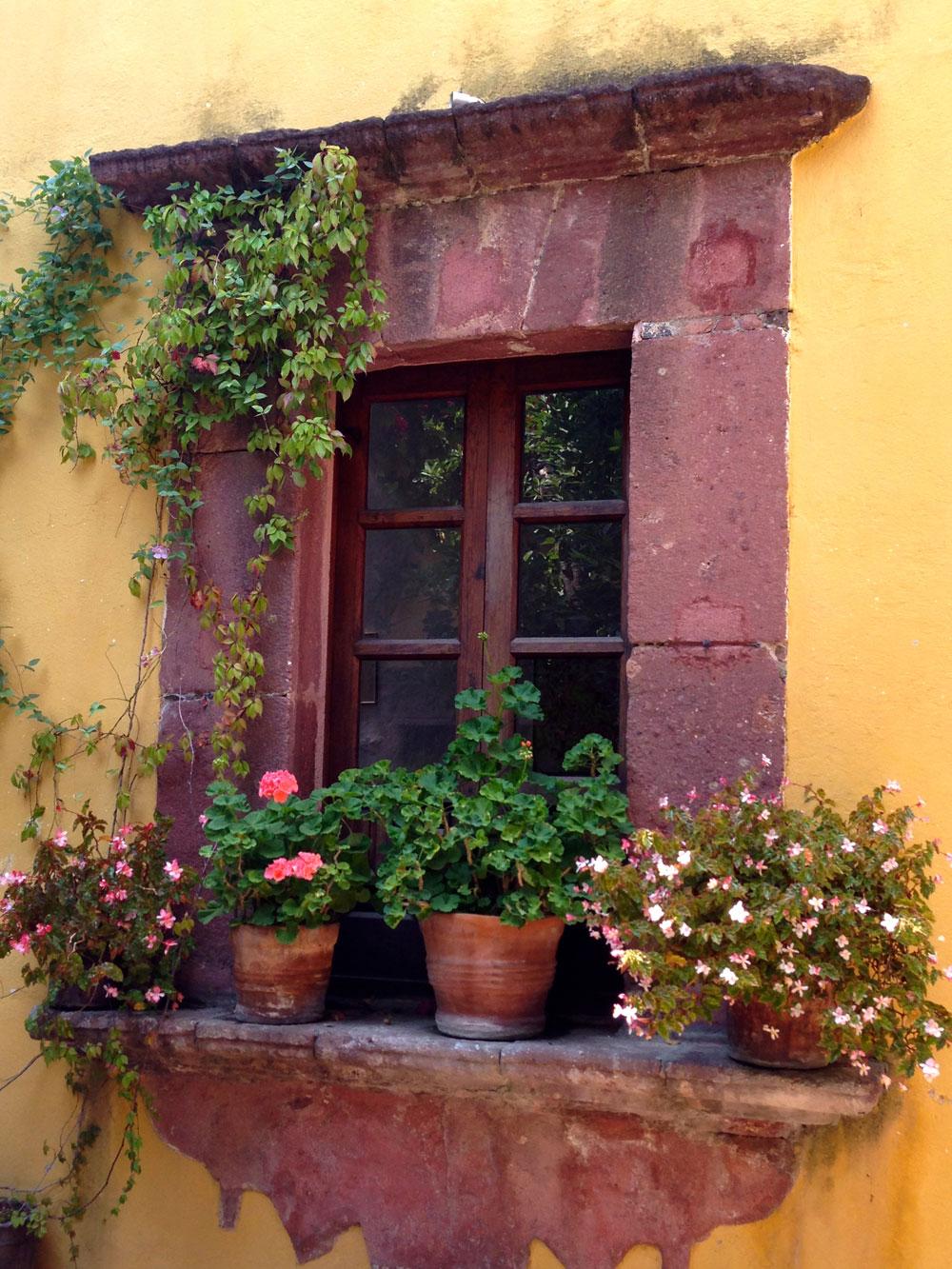 Oko vrata i prozora se izrađuje dekorativni ram