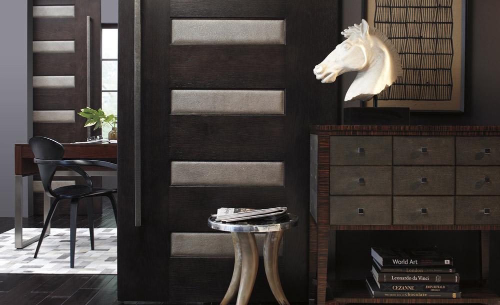 Panel vrata se sastoje od okvira sa horizontalnim i vertikalnim podelama izmedju kojih se nalaze paneli