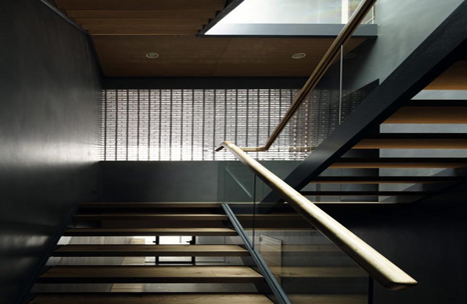 Izgled centralnog stepeništa unutar kuće