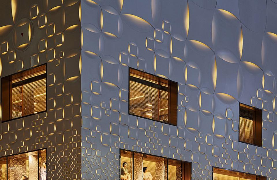 LED osvetljenje na reljefu fasade