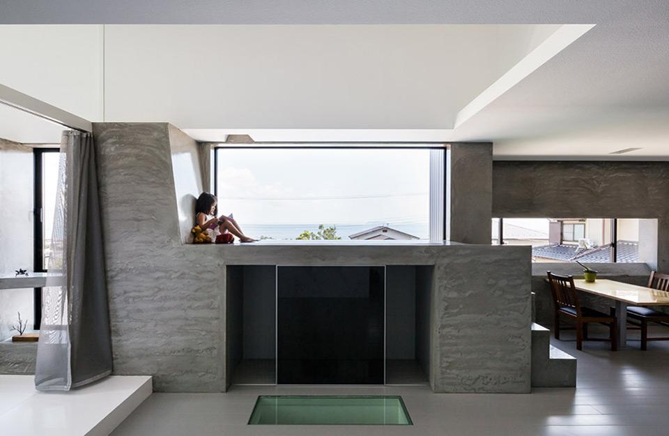 Pogled iz unutrašnjosti kuće