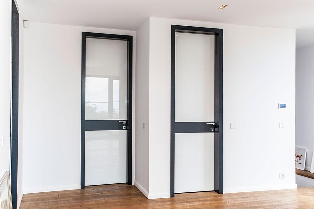 Vrata sa ispunama od stakla ili peskiranog stakla