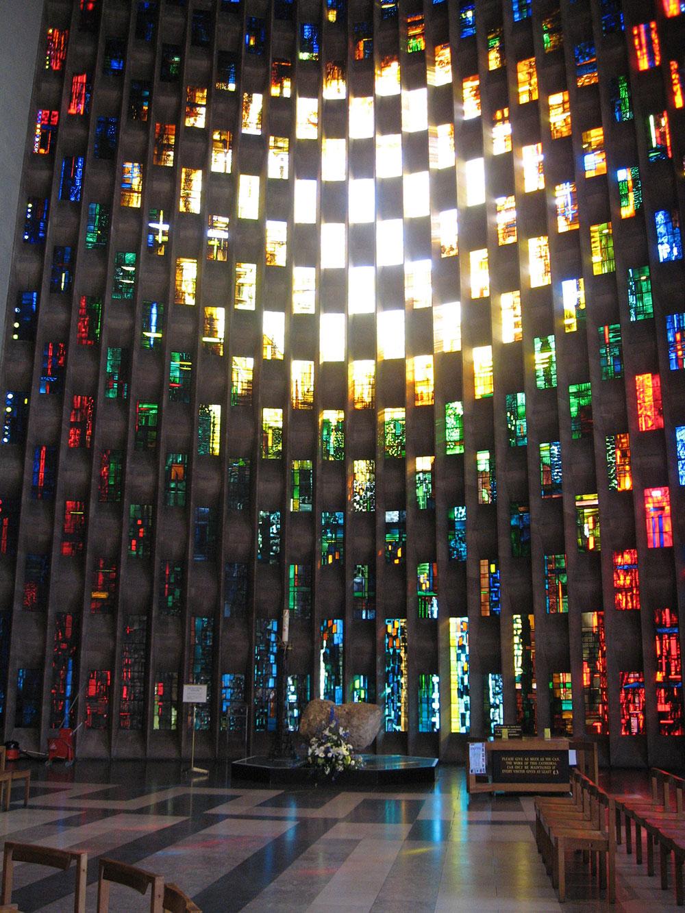 prozori su građeni kako bi propuštali sve više svetlosti u unutrašnje prostore