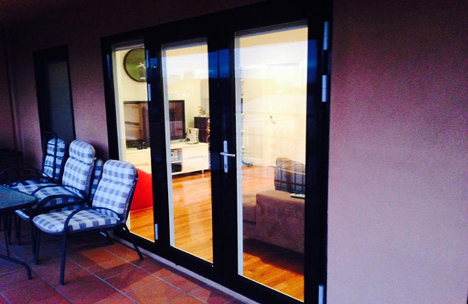 Izgled PVC prozora sa spoljašnje strane kuċe