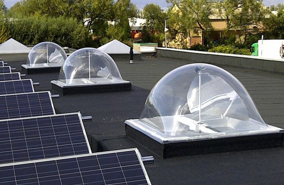 Izgled krova sa Hvatačima svetlosti -- krovnim svetlarnicima