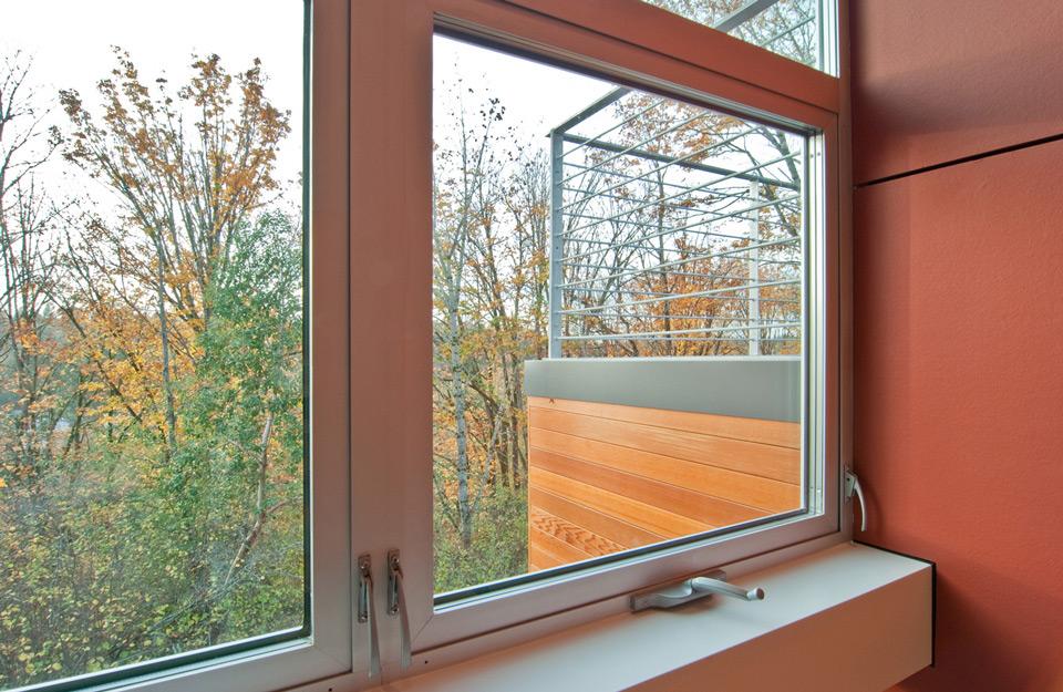 Poravnavanjem prozora obezbeđen je kontinuitet poda i plafona