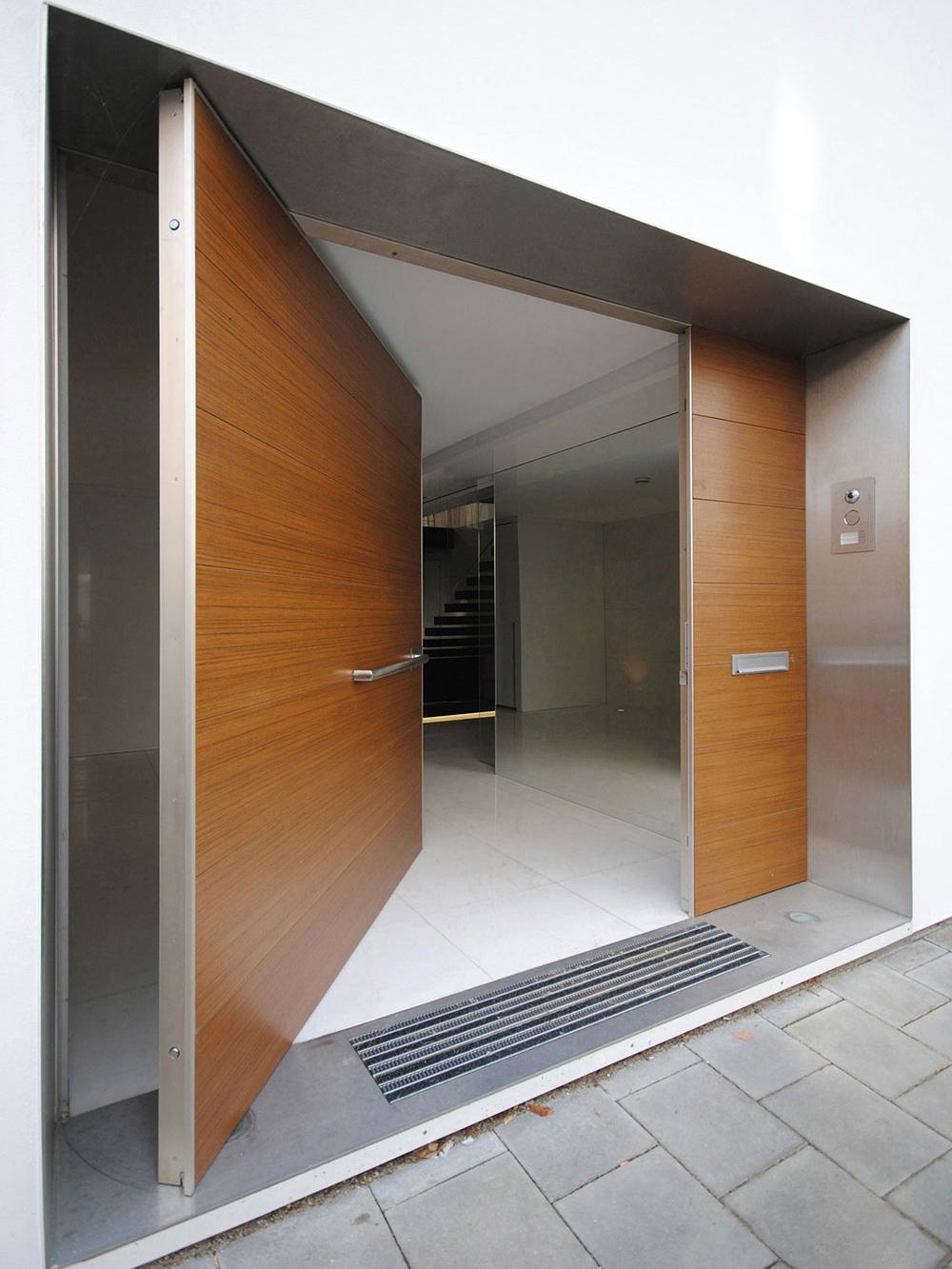 Vrata koja se otvaraju na nekonvencionalan način