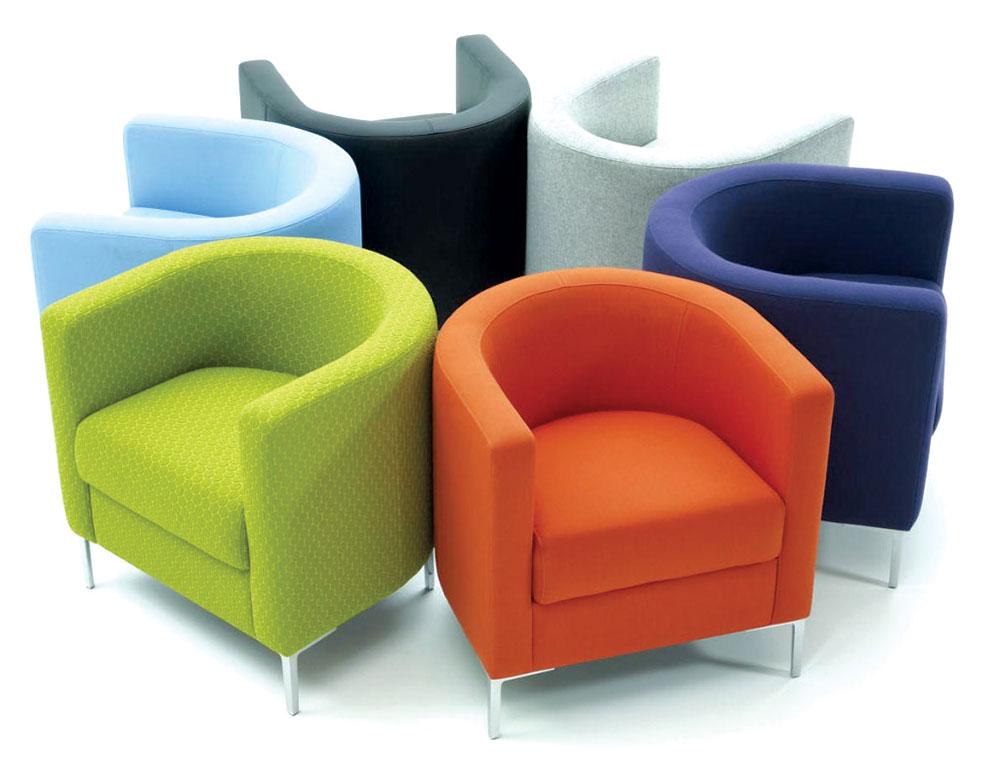 U ponudi su i mebl štofovi u bojama i motivima koji prate svetske trendove
