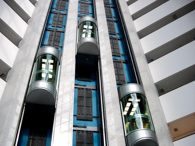 Vrata lifta su savršena kao nosilac dizajna u enterijeru višespratnog objekta