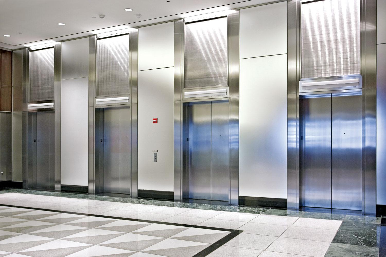 Moderni liftovi kakve danas znamo postali su mogući tek posle industrijske revolucije
