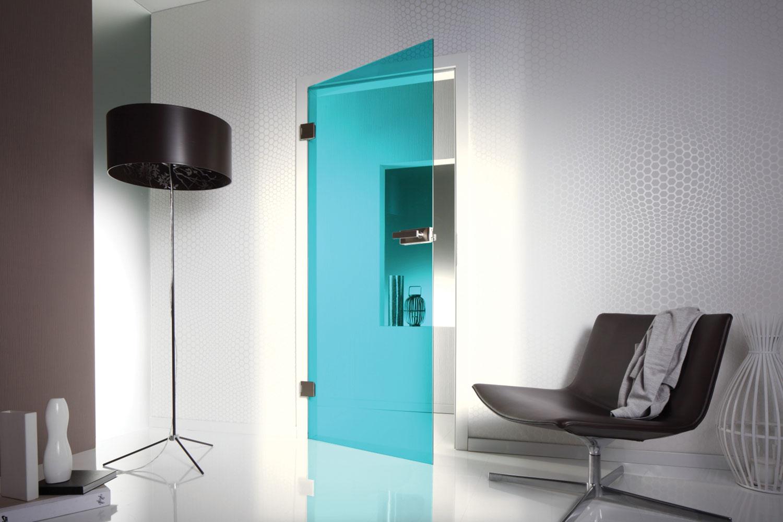 Automatska staklena vrata se odmah zatvaraju posle svakog prolaska i štede energiju