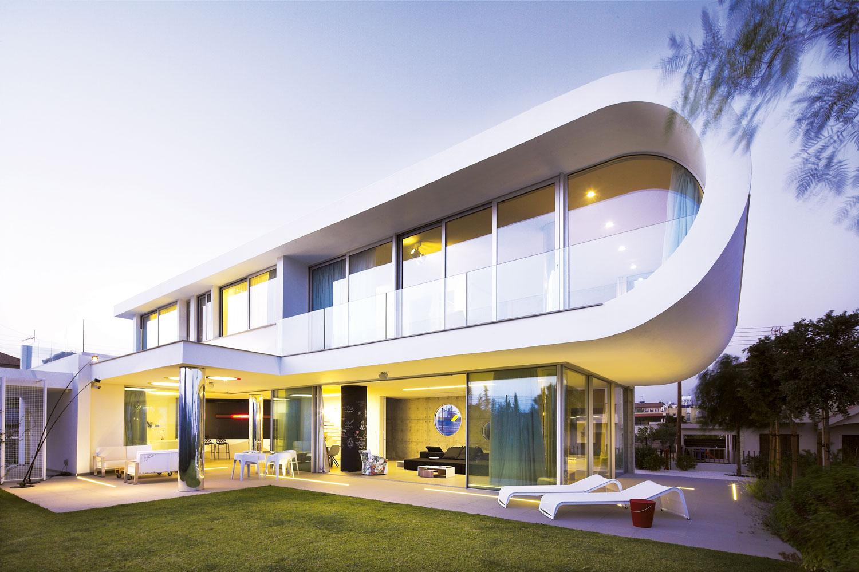 Staklo pruža Vašim zidovima kvalitet u izgledu stvarajući svetle, otvorene prostorije