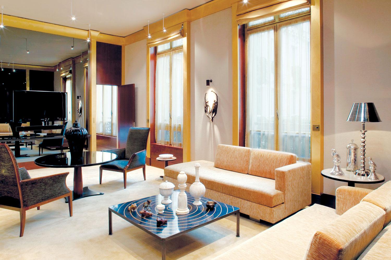 Zavesa ima i za cilj da naglasi lepotu i dizajn nameštaja