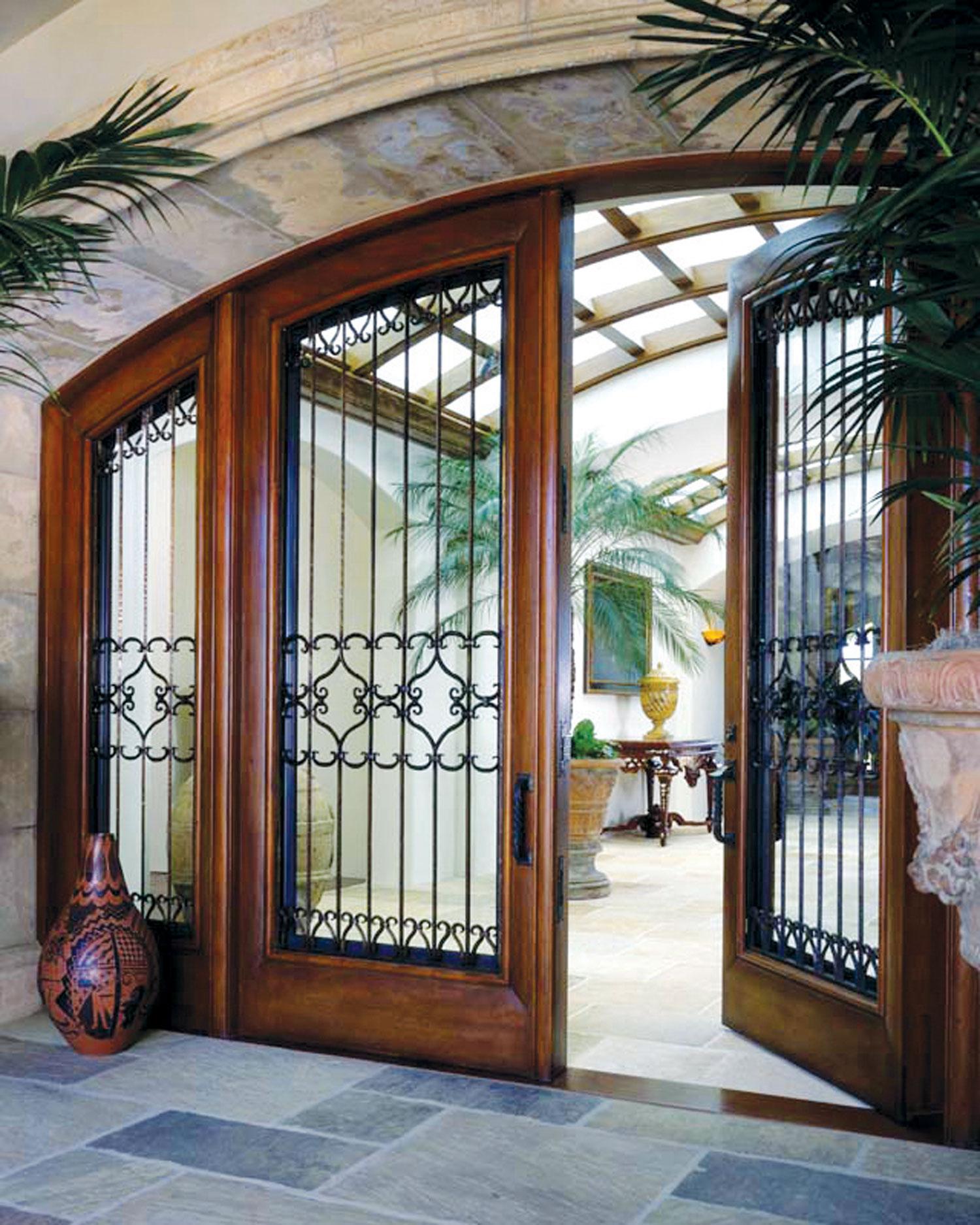 Spoljna vrata se po pravilu otvaraju prema unutrašnjoj strani