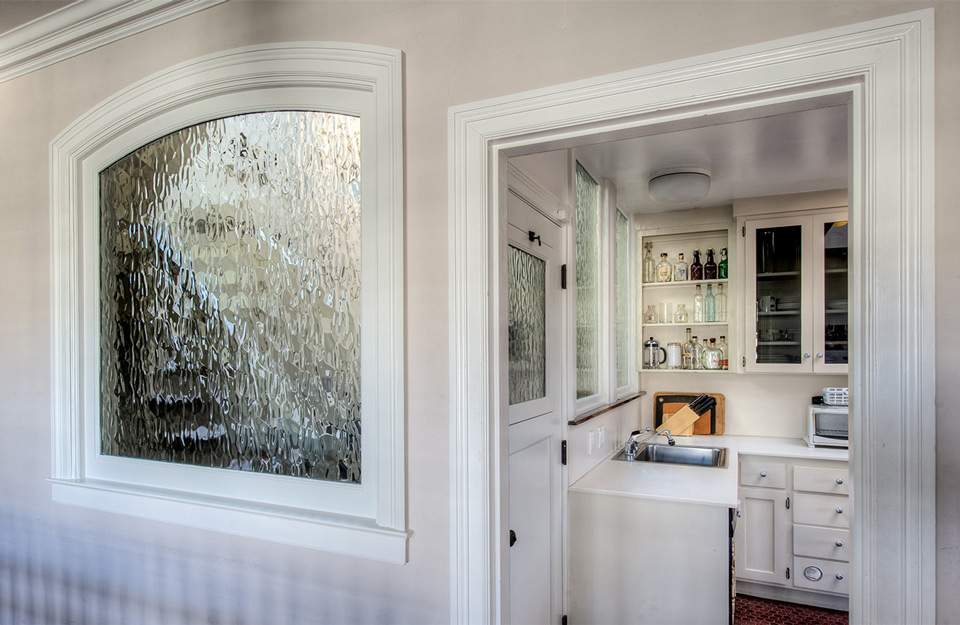 Umetnost stakla drvenih prozora