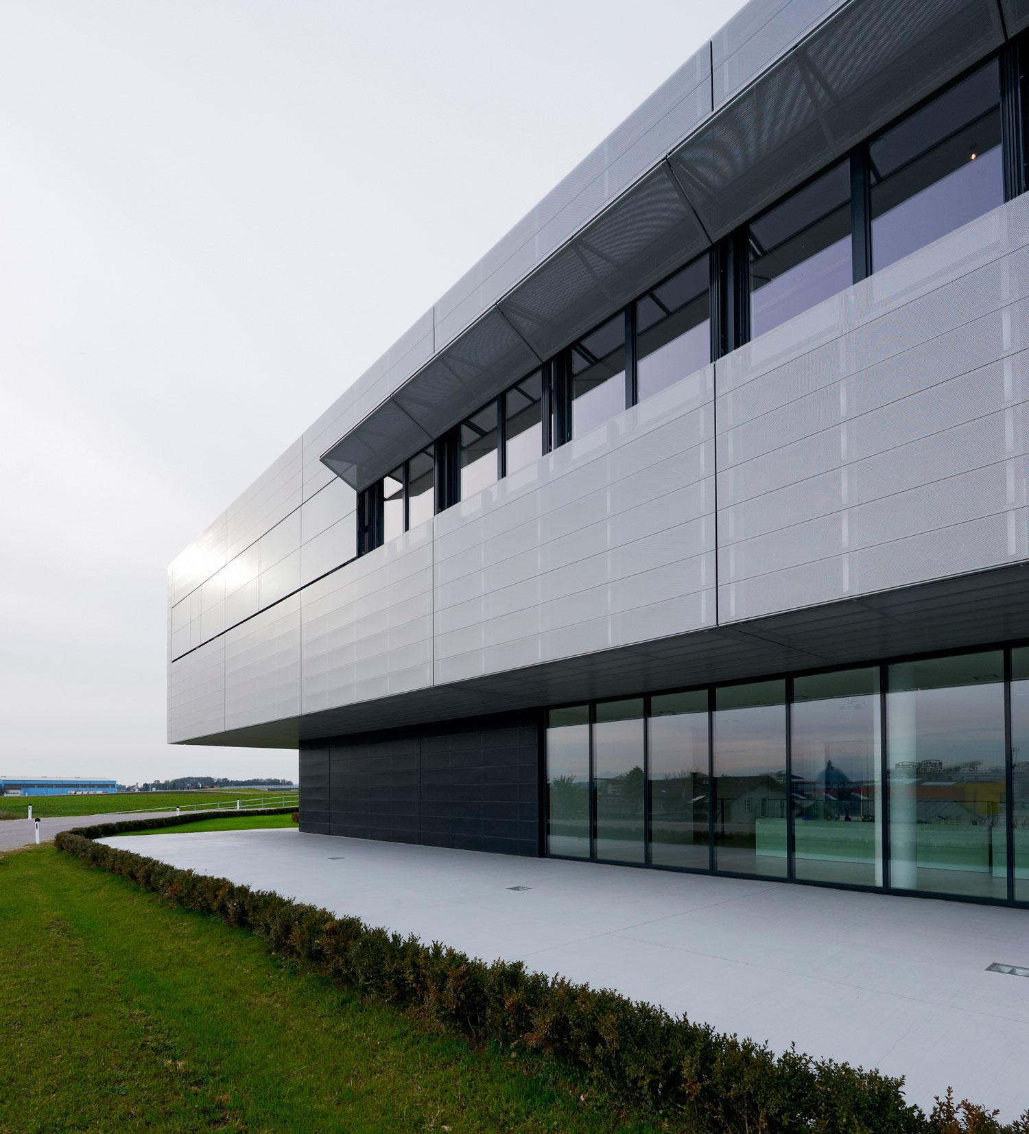 Takvi prozori poseduju izvestan nivo modernosti, zahvaljujući aluminijumu