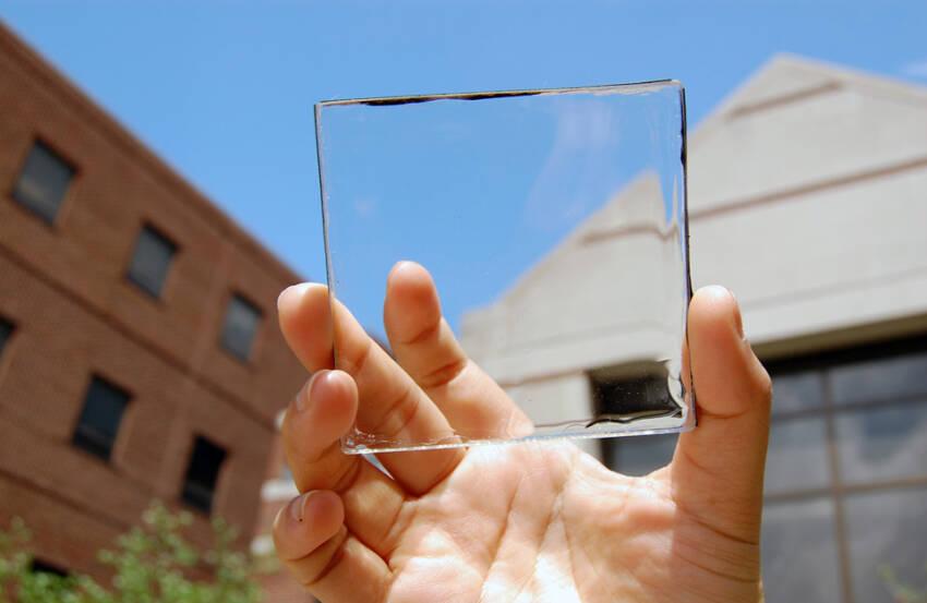 Transparentno staklo i prelamanje svetlosti