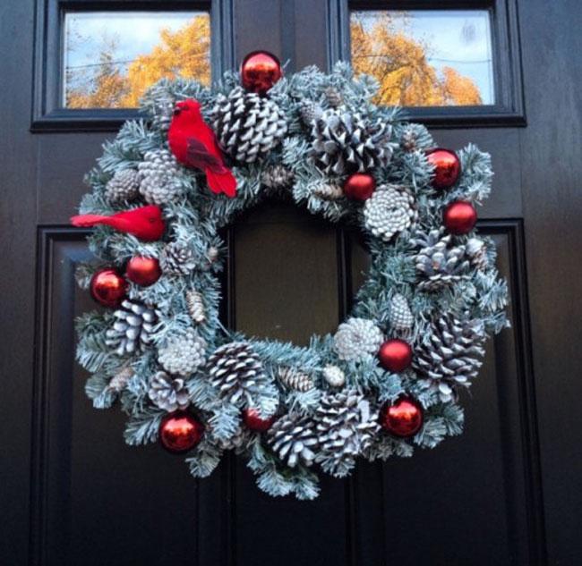Novogodišnja dekoracija – zanimljivi ukrasi za vrata  Časopis Prozori&Vrata