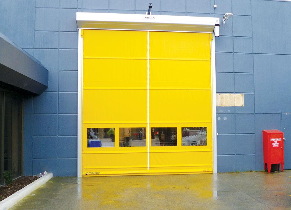 Industrijska-vrata-pruzaju-niz-prednosti-u-odnosu-na-obicna-standardna-vrata