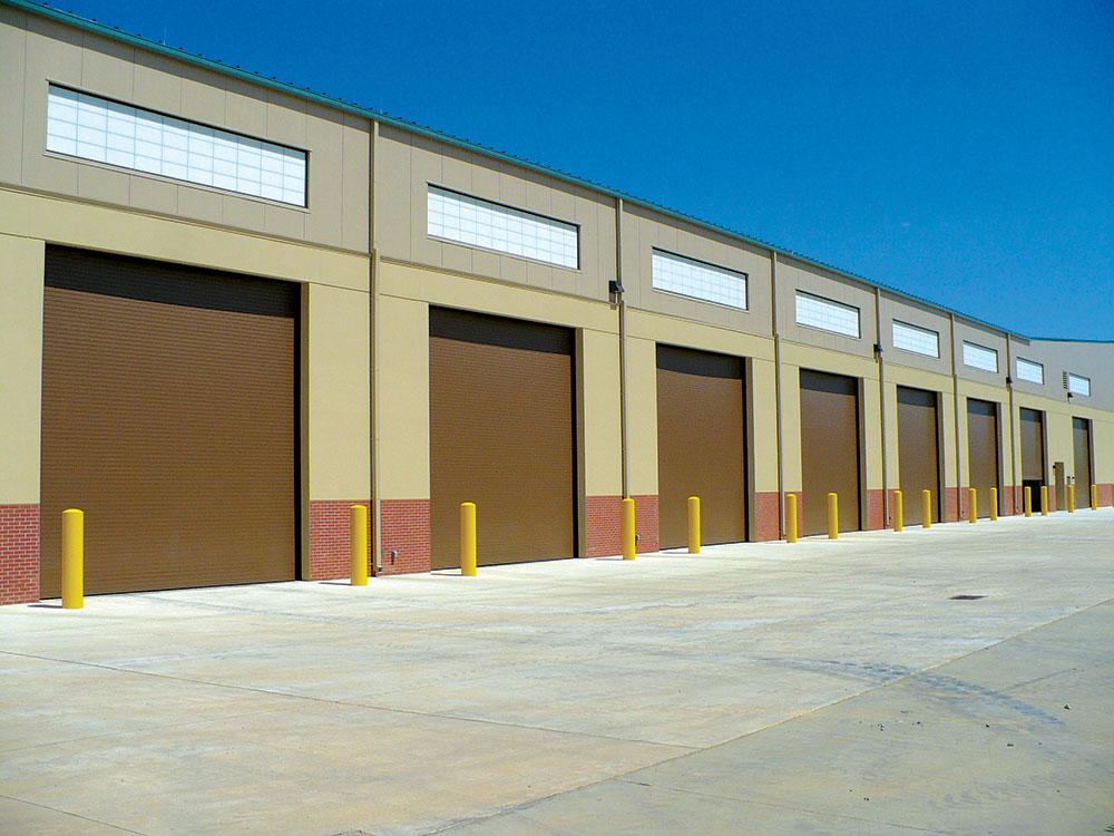 Pojam industrijska vrata odnosi se na veoma širok spektar vrata