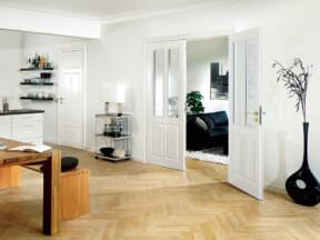 Sobna vrata od stakla i drveta