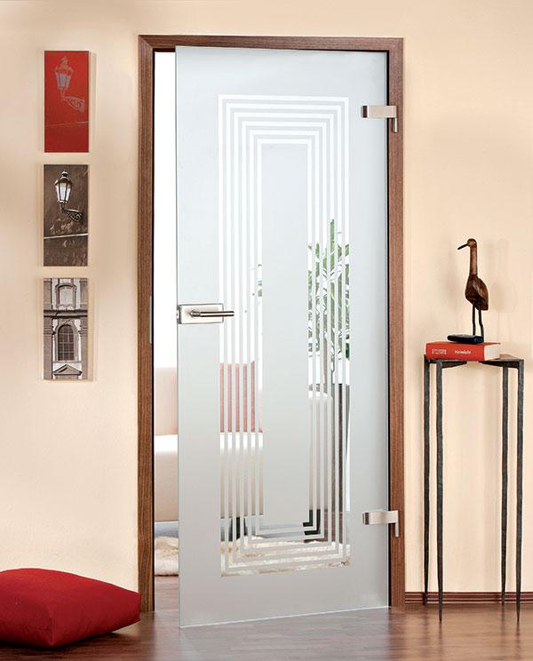 Pored potpuno drvenih vrata imamoi i nekoliko modela u kombinaciji drvo-staklo