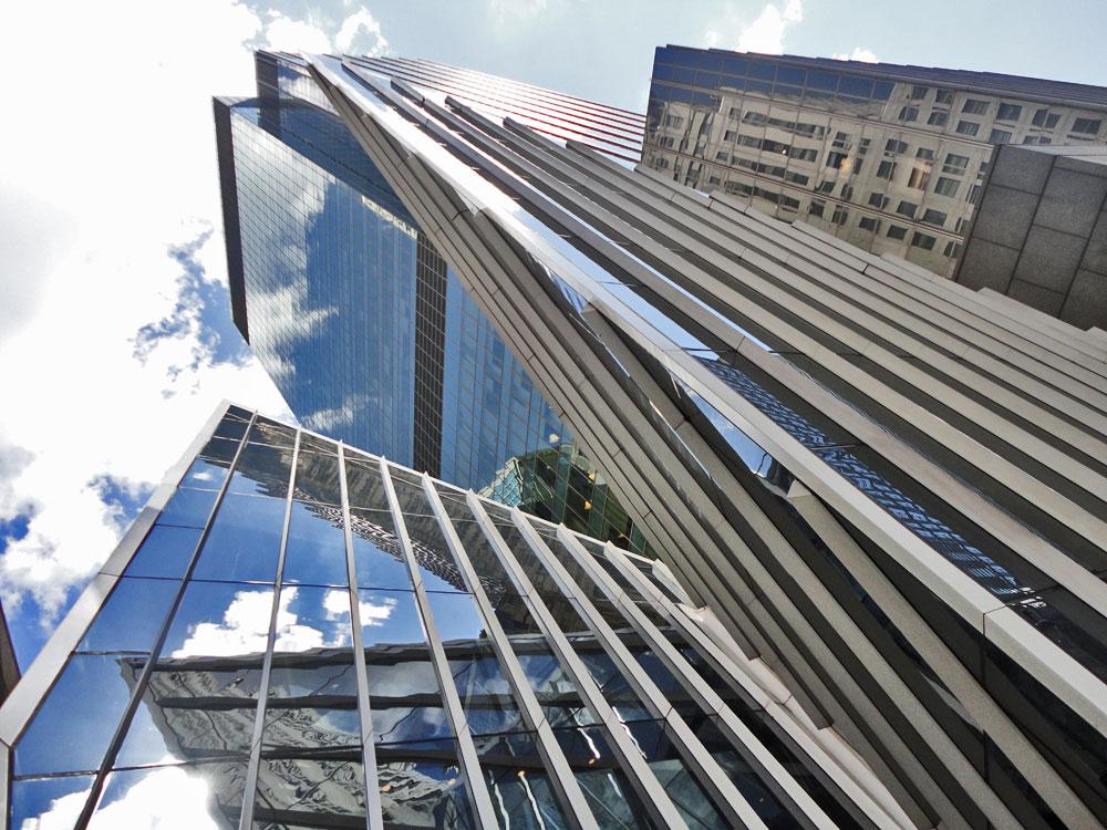 Aluminijumske fasade krase strukture širom sveta i one se obično smatraju materijalom kome nije potrebno održavanje