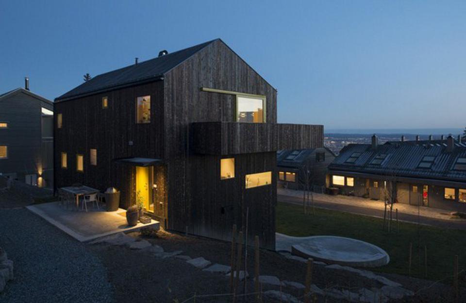 Kuća sa drvenom fasadom u Norveškoj