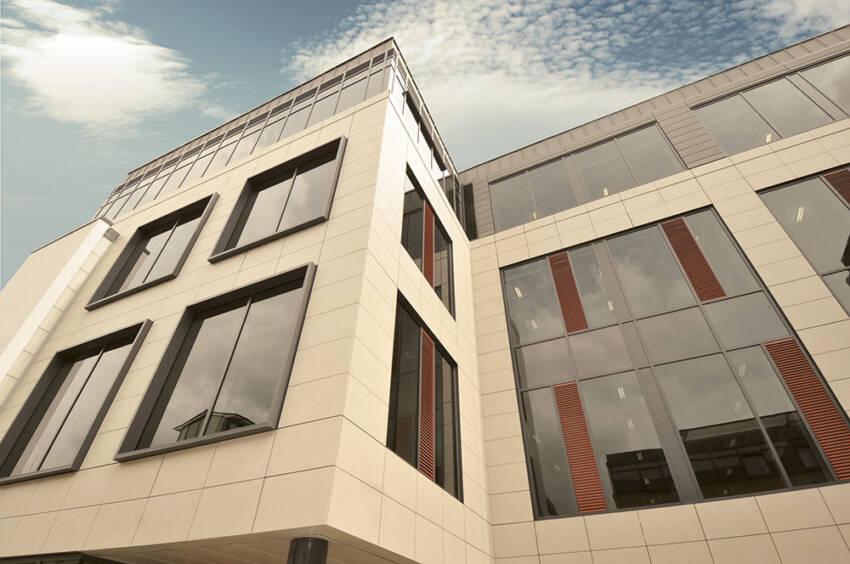 Ventilisana fasada se može definisati kao spoljni pokrivač i metod zaštite za zgrade