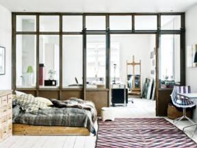 Pozitivna atmosfera u enterijeru sa upotrebom unutrašnjih prozora