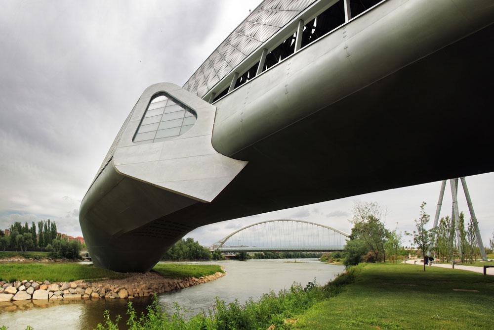Zaha Hadid - Bridge Pavillon u Saragosi