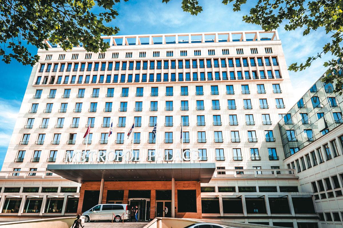 Vodeći proizvođač i dobavljač arhitektonskih staklenih proizvoda u Srbiji