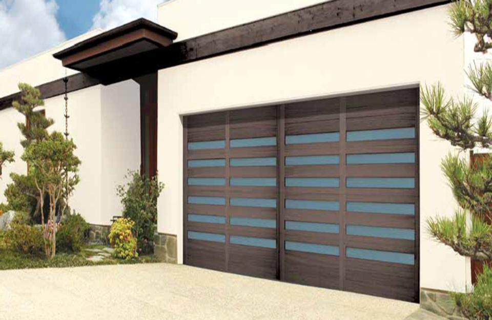 Drvena moderna garažna vrata