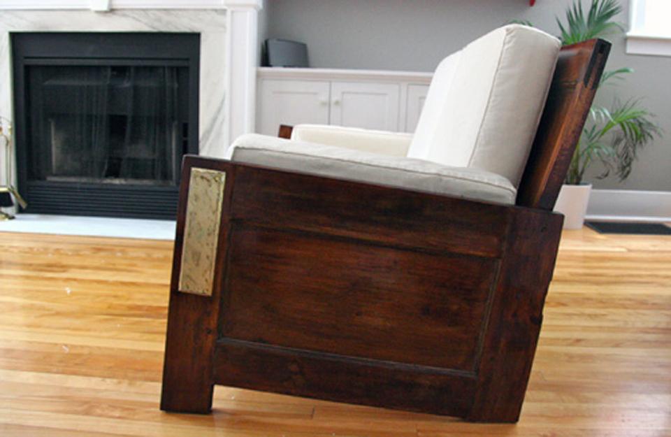 Sofa od vrata
