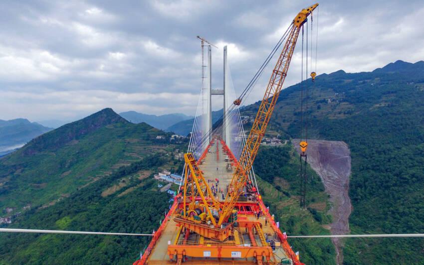 Kina završava najviši most na svetu na visini od 565 m