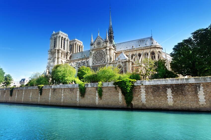 """Katedrala """"Notre Dame"""" u Parizu"""
