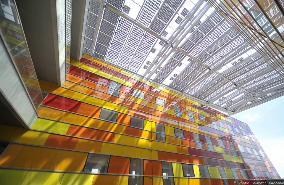 Izgled unutrašnjosti staklene fasade drugog tipa zgrade