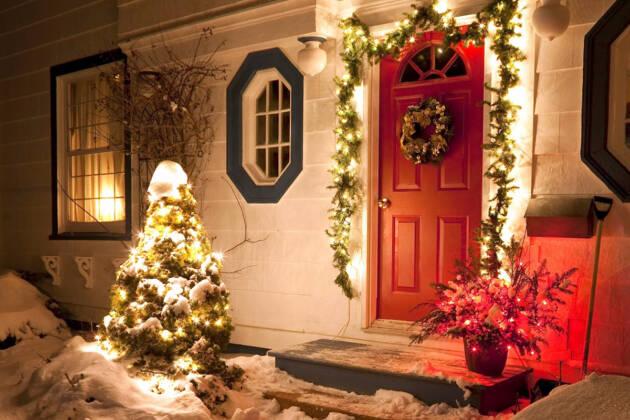 Novogodišnja dekoracija vrata
