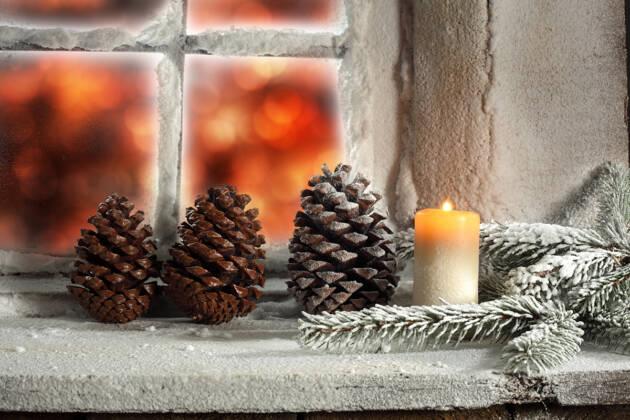 Novogodišnja dekoracija prozora