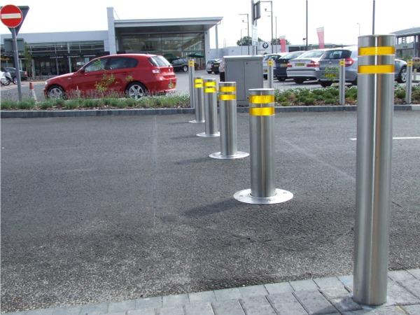 Barijere za zaštitu od neovlašćenog prolaska vozila i kamiona.